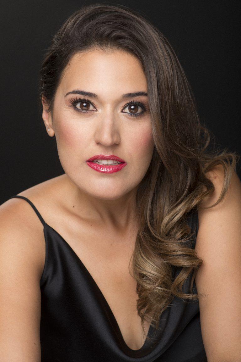 Ana Viñuela – 11